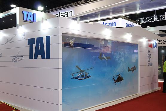 الطائرات التركية تلقى اهتماما كبيرا في معرض تايلاند للصناعات الدفاعية 2017-2f11-2fatak