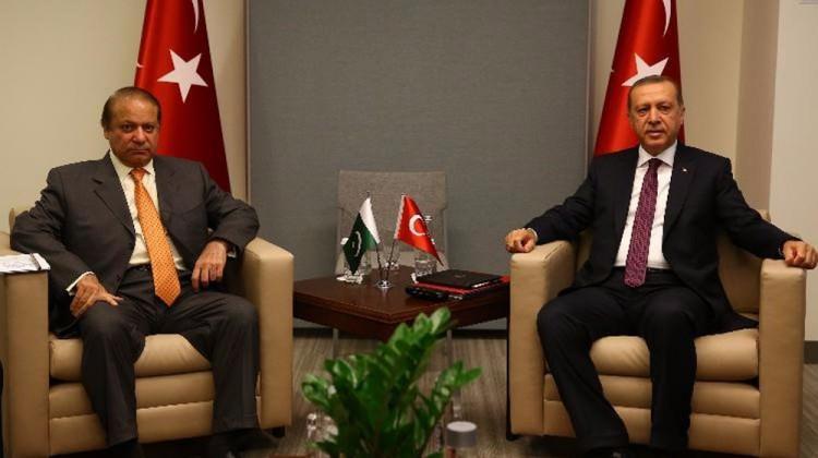 رئيس وزراء باكستان: يمكننا التشارك مع تركيا وقطر في صناعة الأسلحة Pakistandan_turkiye_ve_katara_cagri_1477597065_4392