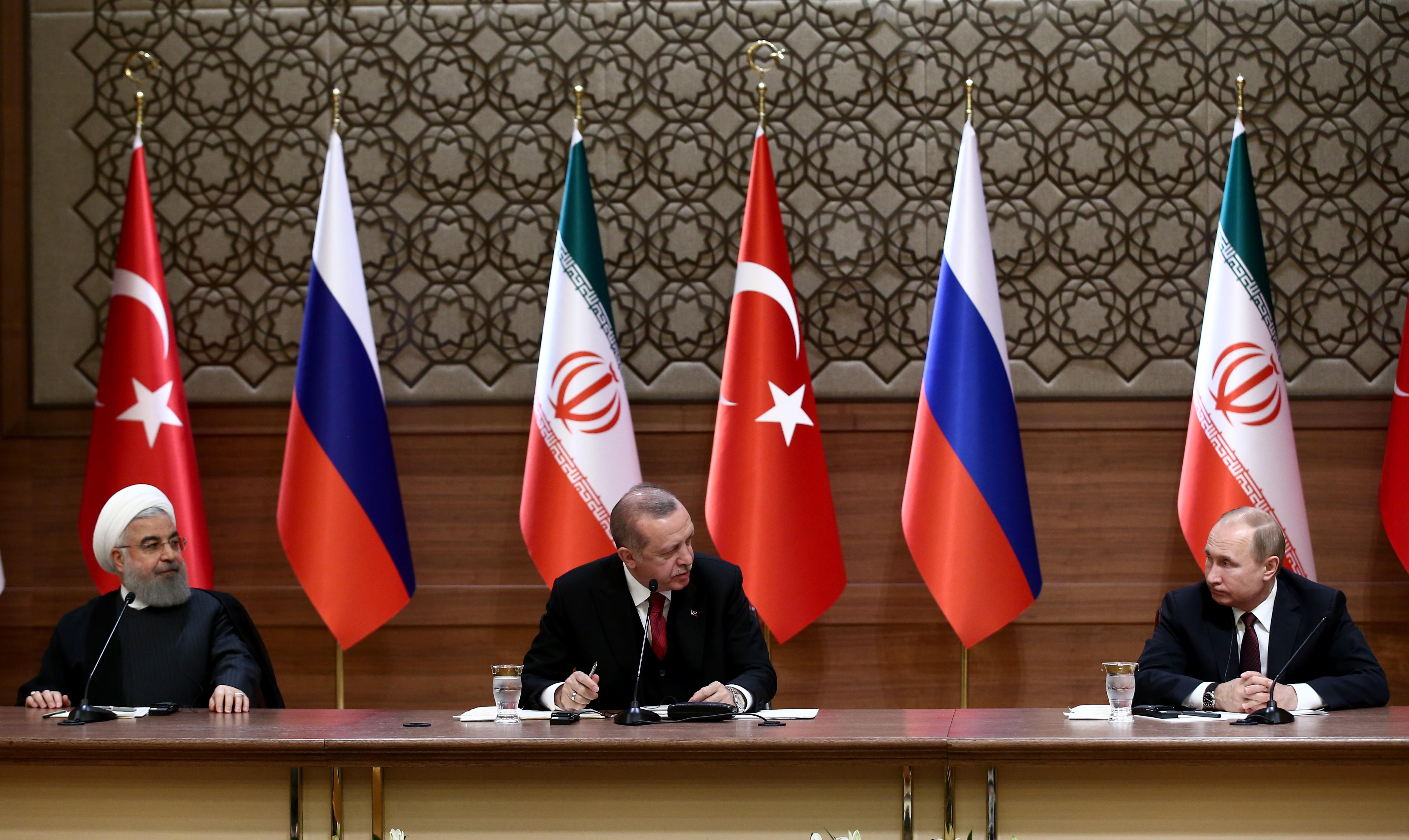 كاتب: مواجهة غير مباشرة بين تركيا وروسيا شمالي غربي سوريا؟   ترك برس
